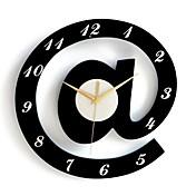 elegantes relojes de pared decorativos alfabeto - blanco + negro (1 x AA)