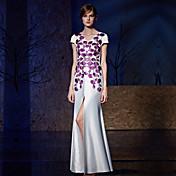 シース/コラムVネックフロアの長さサテンcharmeuseフォーマルアップリケの刺繍が施されたフォーマルなイブニングドレス