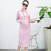 モデル本物のショット秋の新しい韓国のフード付きの長袖のセータースカートツーピース分割気質の潮