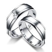 カップル用 カップルリング バンドリング 指輪 キュービックジルコニア クラシック シンプルなスタイル キュービックジルコニア チタン鋼 円形 ジュエリー 用途 結婚式 パーティー 日常