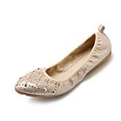 Mujer Zapatos de taco bajo y Slip-Ons Confort Suelas con luz PU microfibra sintético Primavera Otoño Casual Remache Tachonado Tacón Plano