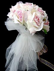 magnifique bouquet de roses blanches et roses avec tulle
