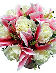 rosa de satén rosa blanca azucena y ramo de novia