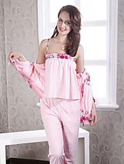 女性のニット刺繍スリーピースパジャマ
