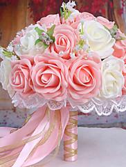 Beau bouquetr de roses blanches et roses avec rubans de satin