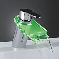 Moderni Integroitu LED / Vesiputous with  Keraaminen venttiili Yksi kahva yksi reikä for  Kromi , Kylpyhuone Sink hana