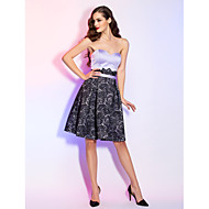 TS Couture® Prom / Cocktail Party / Homecoming / Holiday Dress - Short Plus Size / Petite A-line Sweetheart Knee-length Lace / Satin with