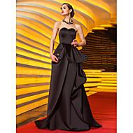 저녁 정장파티/밀리터리 볼 드레스 - 블랙 A라인 스위프/브러쉬 트레인 스위트하트 사틴 플러스 사이즈