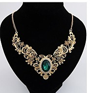 Hollow metal diamond necklace female new crystal pattern short necklace Ladies' Gold Necklace With Aquamarine