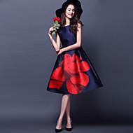 여성의 붉은 꽃 빈티지 스윙 미디 드레스