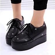 נעלי נשים-סניקרס אופנתיים-דמוי עור-קריפרס-שחור-שטח / קז'ואל-פלטפורמה
