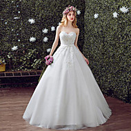 A-line Wedding Dress Chapel Train Sweetheart Lace / Tulle with Lace / Sequin