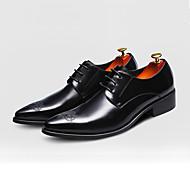 Masculino-Oxfords-Sapatos formais-Rasteiro-Preto Marrom Vinho-Couro-Casamento Escritório & Trabalho Casual Festas & Noite