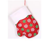 drei zum Verkauf Prozess verpackt Socken Weihnachten hängenden