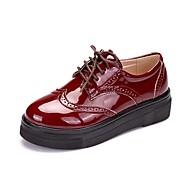 Feminino Oxford Sapatos formais Primavera Outono Couro Envernizado Casual Cadarço Anabela Preto Vermelho 2,5 a 4,5 cm