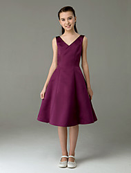 Knee-length Satin Junior Bridesmaid Dress A-line / Princess V-neck Natural with