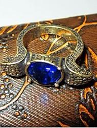 serpente embelezado anel de safira