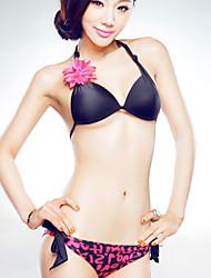 sexy Bikini und einteiligen Badeanzug