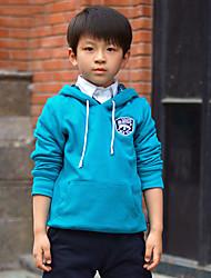 Junge lässig gemütliche Langarm-Shirt