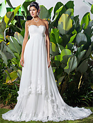 A-line/Princess Plus Sizes Wedding Dress - Ivory Chapel Train Sweetheart Chiffon