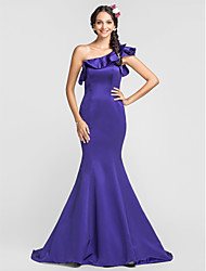 Dress - Plus Size / Petite Trumpet/Mermaid One Shoulder Court Train / Watteau Train Satin
