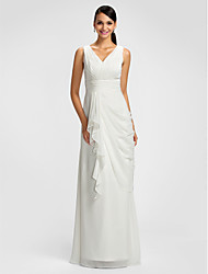 Lanting Bride® Floor-length Chiffon Bridesmaid Dress - Sheath / Column V-neck Plus Size / Petite withDraping / Sash / Ribbon / Criss