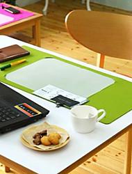 Multi-Funcional feltro Table Mat Set (1 Mat e 3 caixas de armazenamento cor aleatória)