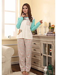 Simple Bear Pattern Lounge Wear