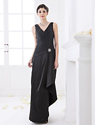 Floor-length Stretch Satin Bridesmaid Dress - Black Plus Sizes Sheath/Column V-neck