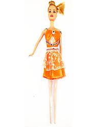 Barbie Doll guarda-roupa com três vestidos e acessórios