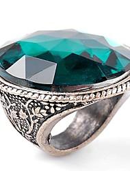 Women Carving Flower Shining Emerald Gemstone Ring