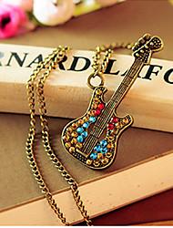 Dumoo Винтаж Красочные гитара Форма ожерелье (случайная поставка & Просто только один)