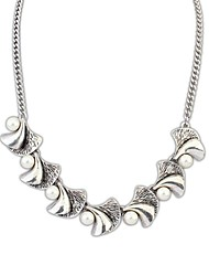 European Vintage Style (Flowers) Alloy Imitation Pearl Chain Statement Necklace  (1 pc)