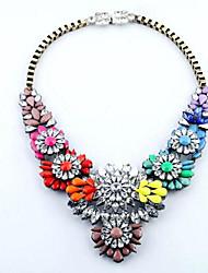 Women's Luxurious Fashion Pretty Alloy Gemstone Bib Necklace