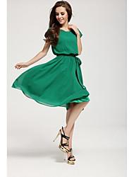 À manches courtes O robe mince cou des femmes