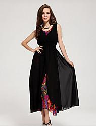 Europa Femenina VIV y los Estados Unidos que plantean color en un vestido de diseño (Negro)
