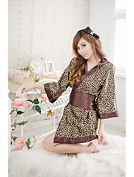 De la mujer encantadora Wild Leopard japonés Kimono
