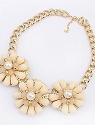 Maki Flower Exaggerate Fresh Beige Necklace