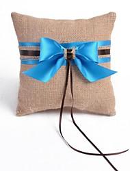 Frische Bettwäsche mit Blue Ribbon Hochzeit Ringkissen