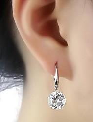 Zircon et boucles d'oreilles métalliques (1 paire)