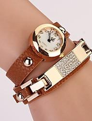 C & D de femmes mettent vis rivet bracelet femmes s'habillent montres xk-61
