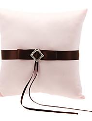 Wedding Ring Pillow In White Satin Com Brown poliéster Banding e strass