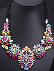 collar de piedras preciosas de cristal iridiscente de las mujeres