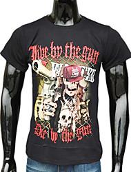 Black Pirate algodão dos homens Segure uma T-Shirt Gun impresso