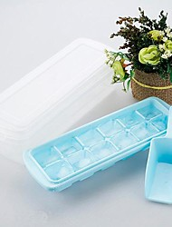 12 Grid With Cover Ice Mould Plastic Random Color(4.4X2X0.92 inch)
