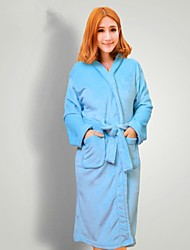 bata de baño, mujer de luz de alta clase de prendas de vestir de color azul albornoz espesar suave