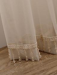 (Dos paneles) grácil cortina escarpada sólido beige con colgantes