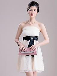 envoltório doce princesa vestido de renda no peito das mulheres