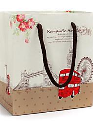 красный автобус и небо колеса шаблон подарочные пакеты