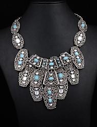 exagérée collier métallique multiples des femmes